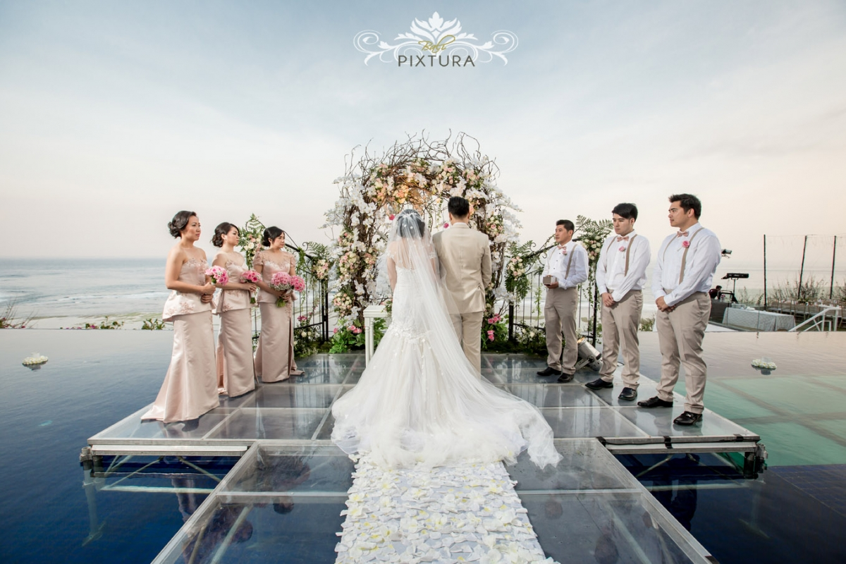 Latitude villa bali bali water wedding eldwin shilla for Bali mariage location