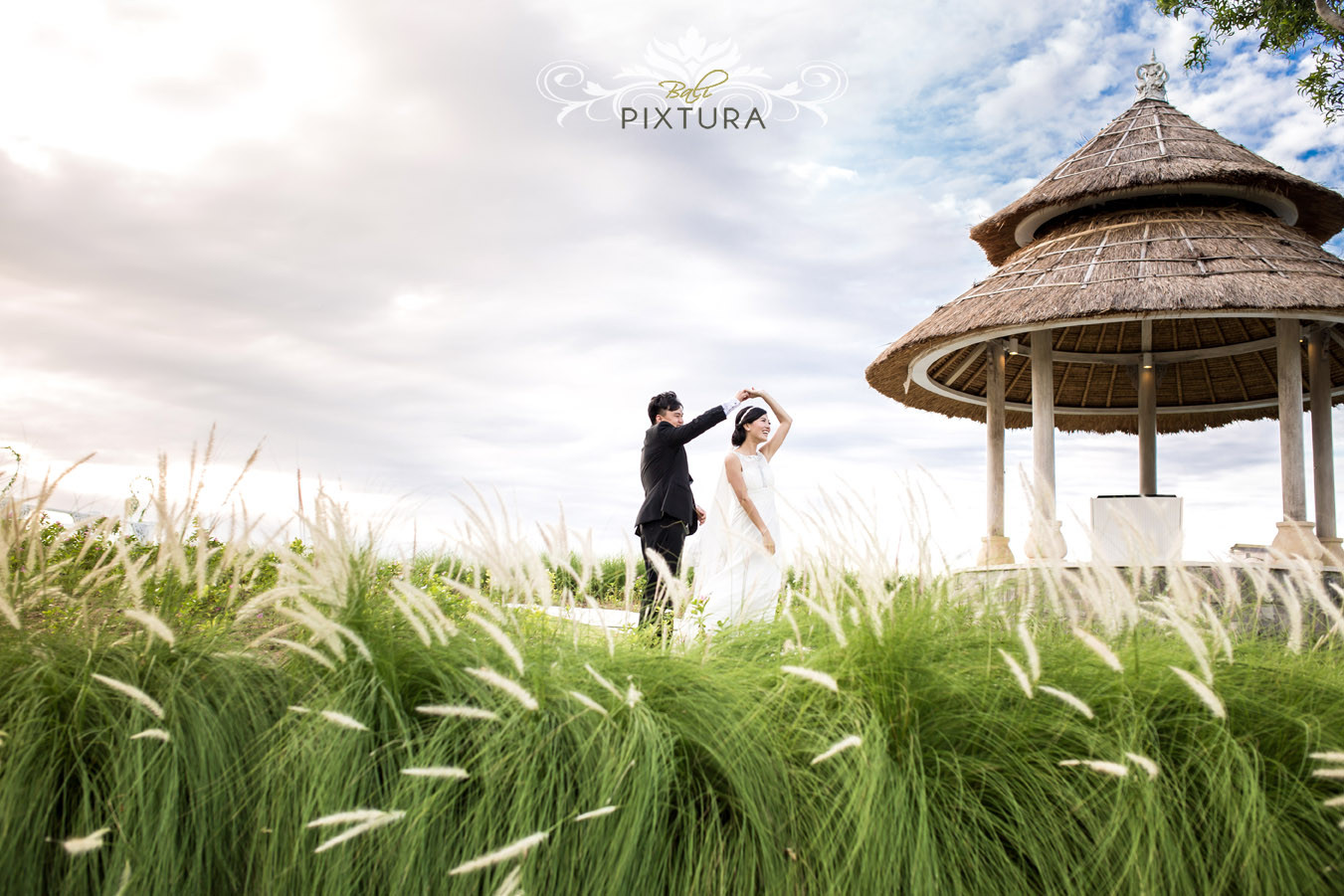 Sky ayana resort spa cliff front bali wedding andy for Bali mariage location