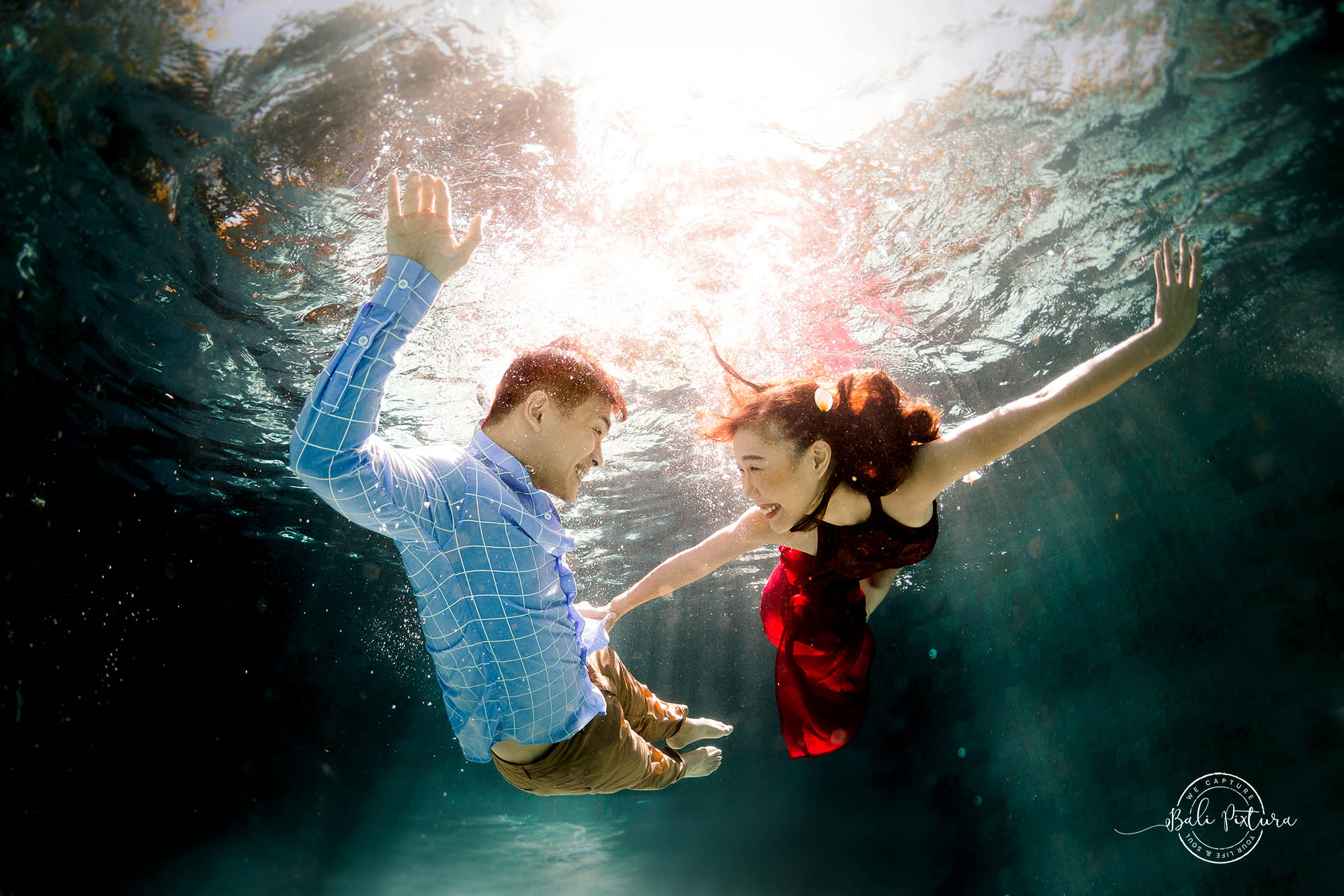 Bali Underwater Photoshoot For Extraordinary Couple